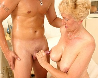 Housewife fucking a way younger dude